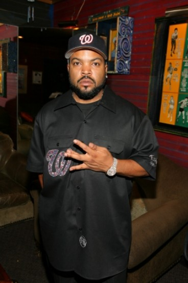 up close look at rapper ice cube 39 s multi million dollar mansion star map los angeles. Black Bedroom Furniture Sets. Home Design Ideas