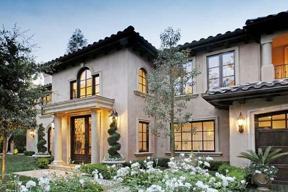 Kim Kardashians Mediterranian Villa