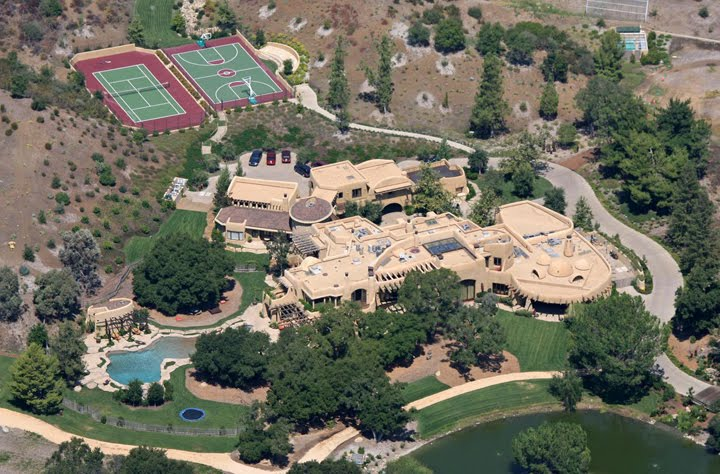 Will smith and jada pinkett breathtaking malibu estate for Maison will smith