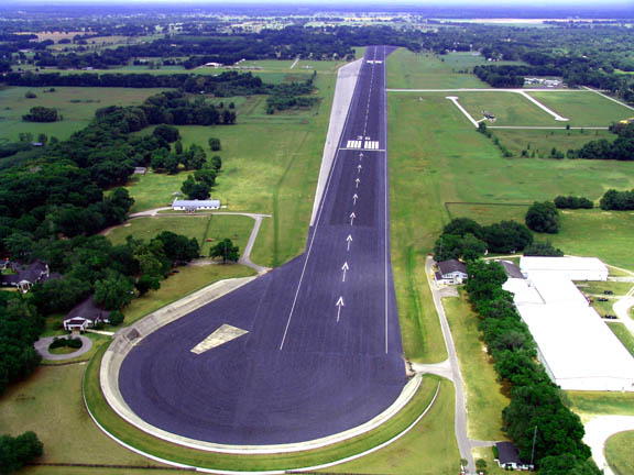 John-Travolta-Private-Airstrip-