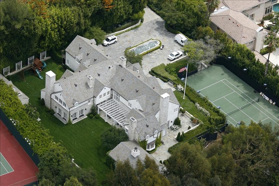 Tom Cruise and Katie Holmes' new stunning Beverly Hills mansion