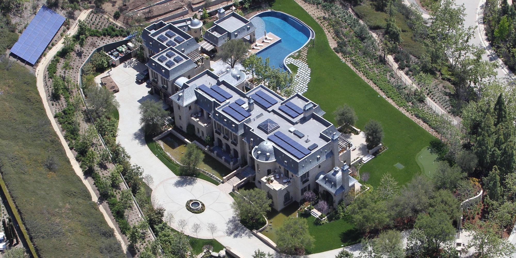 Tom Brady And Gisele Bundchen S Mega Mansion Sold To Dr
